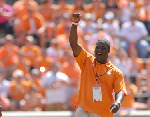 Former Vols football players supportive of Tee Martin as head coach