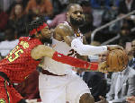 James, Love power Cavs past Hawks for 10th win in a row