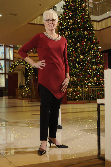8c240c77ecb4 Dressed to party  Look for understated glamour in holiday fashions ...
