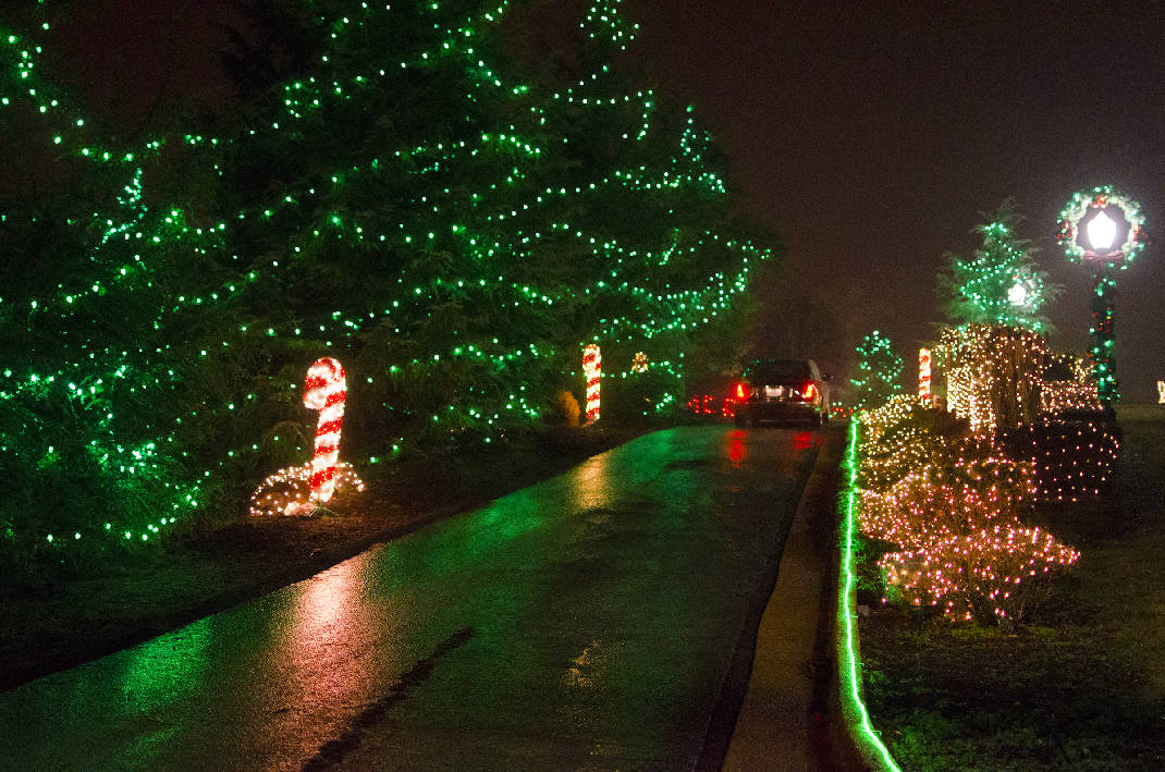 Where to find holiday light shows in the Chattanooga area