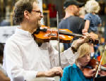Professional fiddler offers two very different local classes