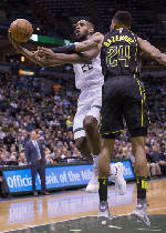 Khris Middleton helps Bucks pull out sluggish win over Hawks