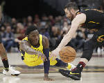 Victor Oladipo scores 32 as Pacers stun LeBron James, Cavs