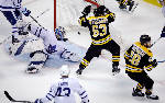 Bruins score 4 in 3rd to beat Maple Leafs 7-4 in Game 7