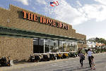 Cold spring hurts Home Depot's first quarter same-store sales growth