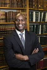 Chattanooga City Attorney Wade Hinton to leave city post to head diversity at Unum