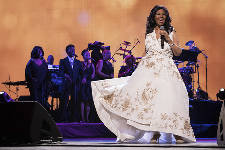 'Queen of Soul' Aretha Franklin dies Thursday at her home in Detroit