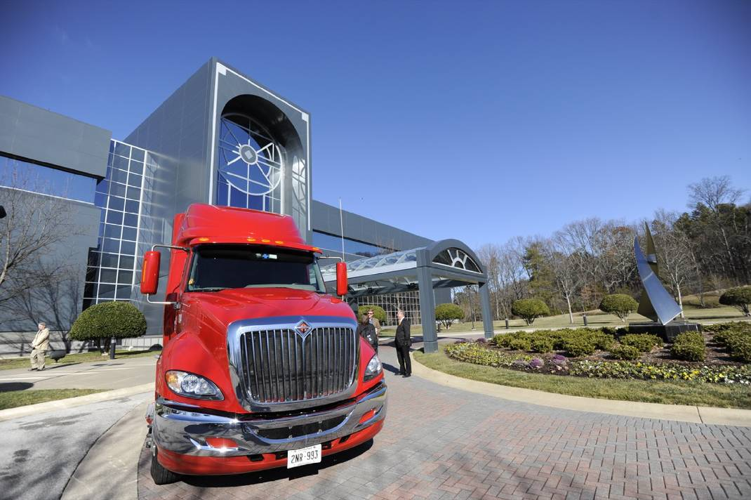 u s  xpress offers online college scholarships to drivers