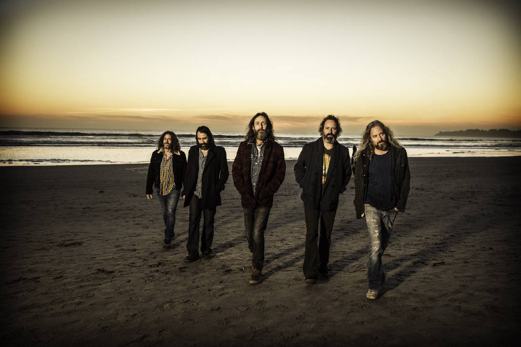 Chris Robinson Brotherhood gets 'Barefoot in the Head' at Walker Theatre