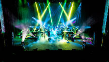 Mannheim Steamroller rolls out its biggest holiday show yet
