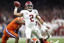 Jalen Hurts is transferring from Alabama