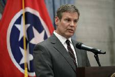 Tennessee Gov.-elect Bill Lee: Legal team to investigate if county breaking immigration law