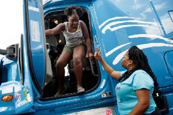 Shifting roles: From CNA to CDL, Chattanooga woman paves the way for female truck drivers
