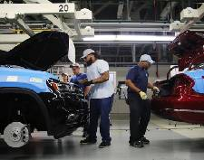 Volkswagen Chattanooga's hourly production workers are getting a pay raise