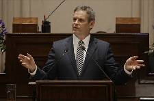 Tennessee Gov. Bill Lee's charter school bill clears House panel after school board bypass provision dropped