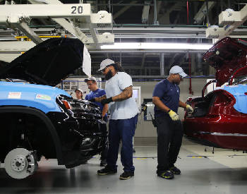 Ad campaigns heat up as union vote nears at Volkswagen's Chattanooga