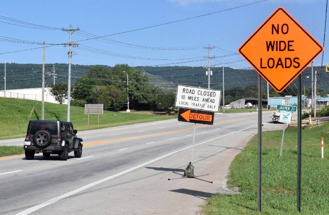 U S  Highway 41 leg around Aetna Mountain in Marion County closed