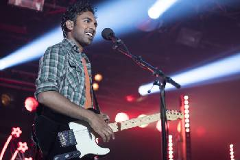 Film Review: 'Yesterday' takes a great idea, adds too much sugar [trailer]
