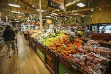 8 tips for saving money on groceries