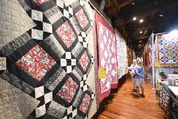 Photos: Third Annual Ringgold Quilt Show continues