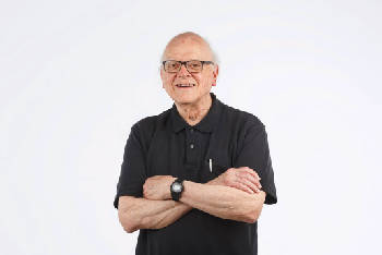 Clif Cleaveland wins Champions of Health Care Lifetime Achievement Award