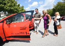 Electric vehicle sales to rev up in future, experts say at Chattanooga meeting