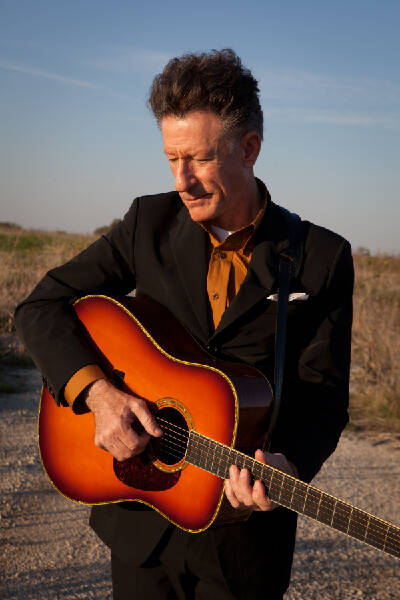 Lyle Lovett is his band's biggest fan | Chattanooga Times Free Press