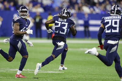 Chattanooga S Kareem Orr Makes Eight Tackles In Nfl Debut As