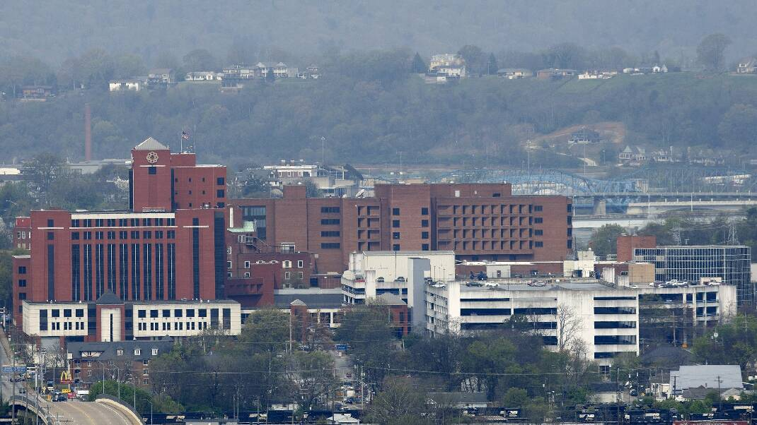 Private suitor met with Hamilton County mayor, former Sen. Corker before offer on Erlanger hospital