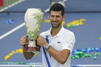 U S Open Tuneup Ends With Novak Djokovic Smiling Naomi Osaka Ailing Chattanooga Times Free Press