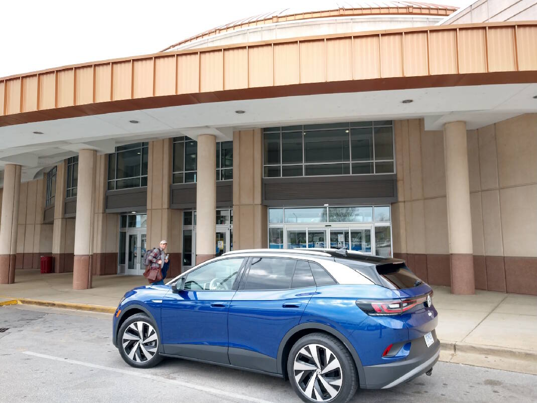 Photo of Volkswagen electric vehicle to be built in Chattanooga named 'world car of the year'