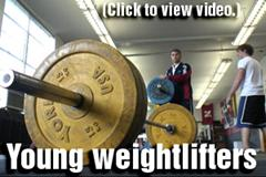 Video: Young weightlifters