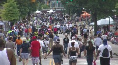 Bessie Smith Strut goes on in Chattanooga despite rain earlier