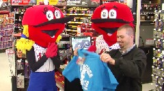 "Title: Lookouts deliver ""Looiegrams"" for Valentine's Day"